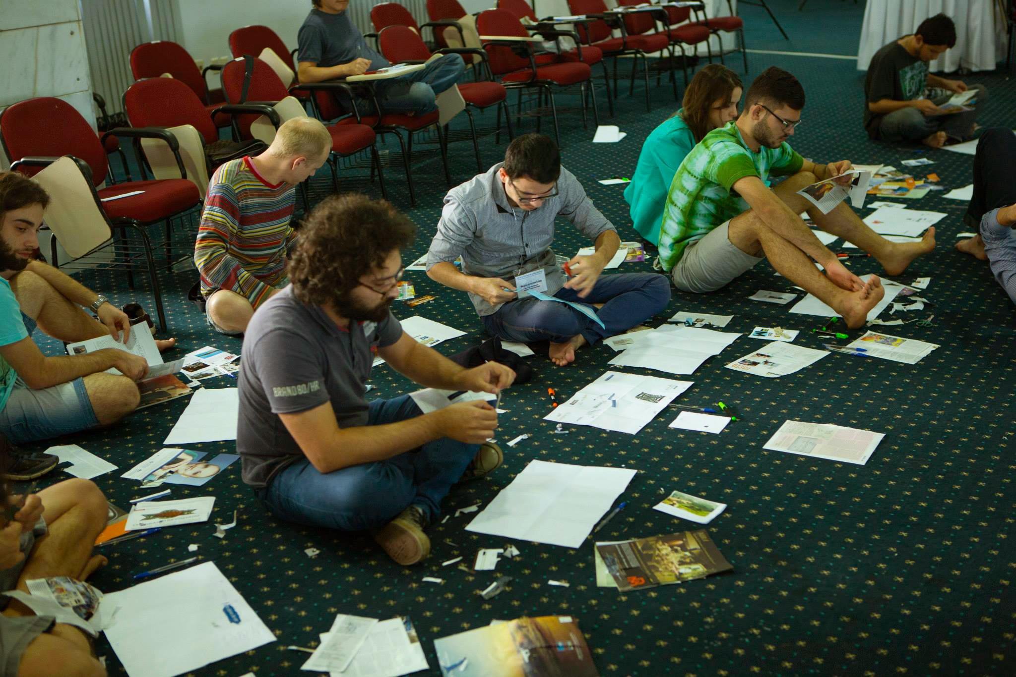 Jovens participam de oficinas durante o curso. Foto: Renato Oliveira/ASCOM DDAHV