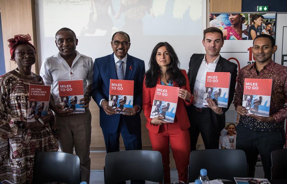 O relatório mostra que os ganhos alcançados para as crianças não estão sendo sustentados. Novas infecções por HIV entre crianças diminuíram apenas 8% nos últimos dois anos.