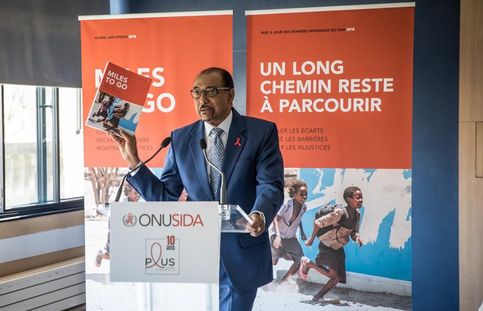 """""""O direito à saúde para todos é inegociável"""", disse Michel Sidibé, Diretor Executivo do UNAIDS"""