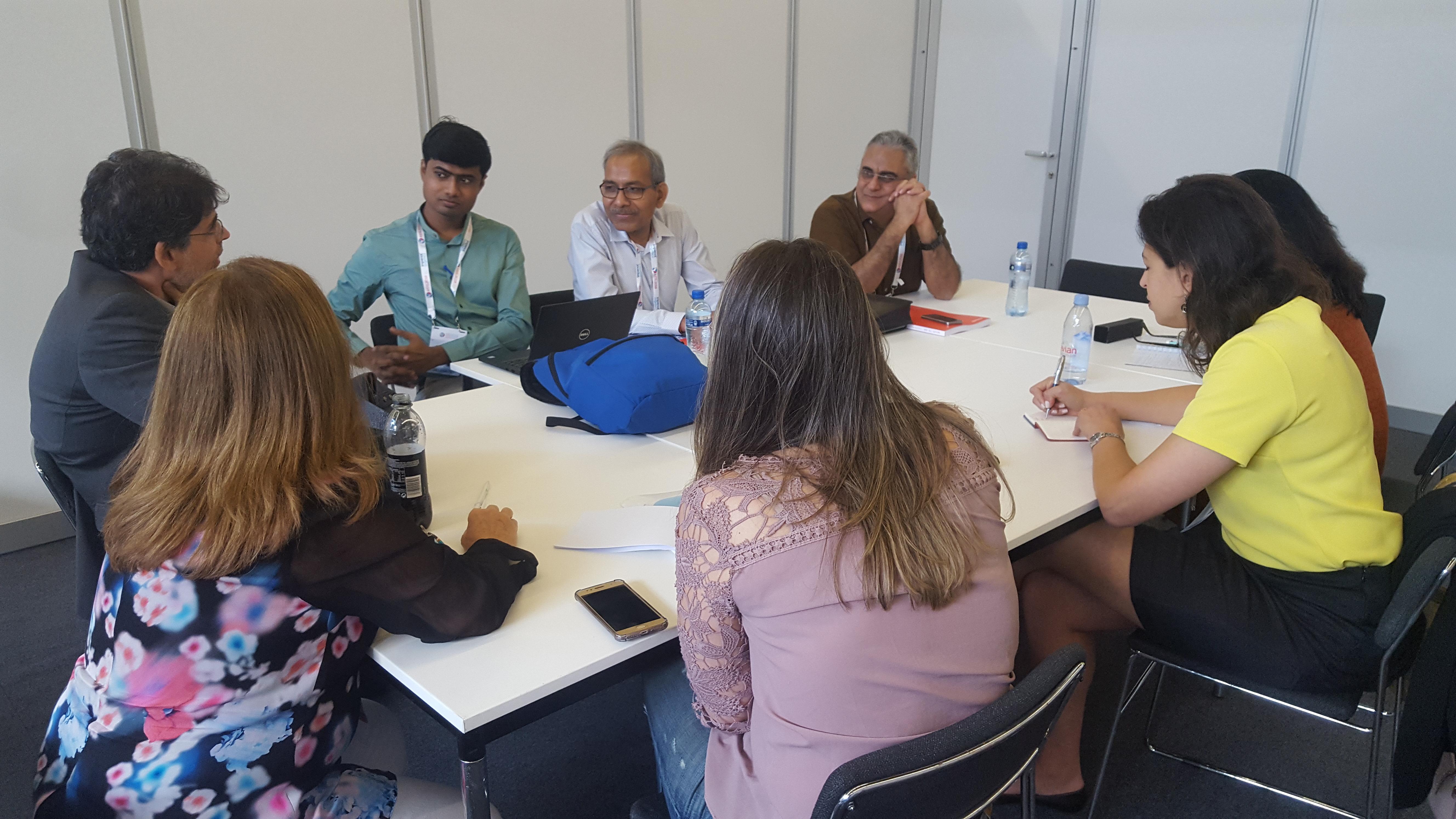 representantes brasileiros e indianos trocaram informações sobre experiências e desafios na área da resposta.