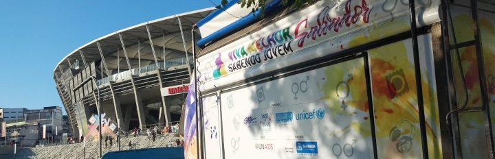 Projeto Viva Melhor Sabendo Jovem Salvador promove testagem de HIV no Festival de Verão