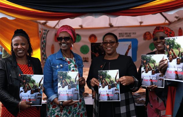 O relatório mostra que, quando pessoas e comunidades têm poder e domínio sobre suas escolhas e decisões, as mudanças acontecem. As comunidades colocaram princípios centrados nos direitos e centrados nas pessoas no cerne dos programas de HIV, garantindo que as respostas à AIDS abordem as desigualdades e injustiças que alimentam a epidemia.